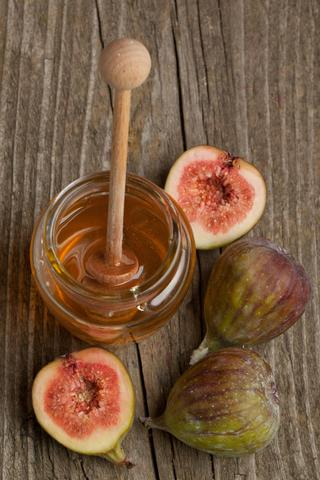 Figs with Whipped Mascarpone and Warm Spiced Honey