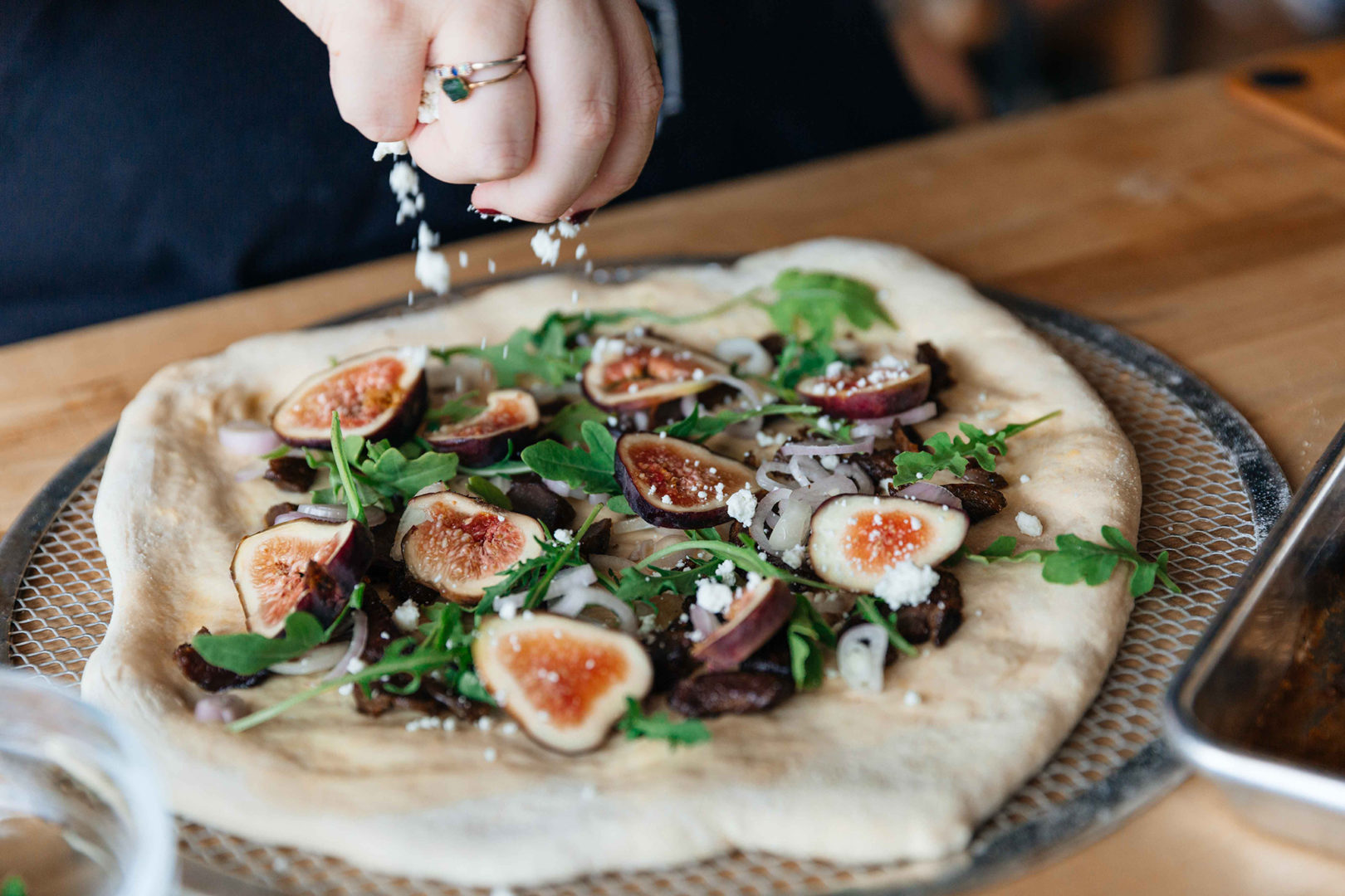 duck flatbread with fig shallot goat cheese